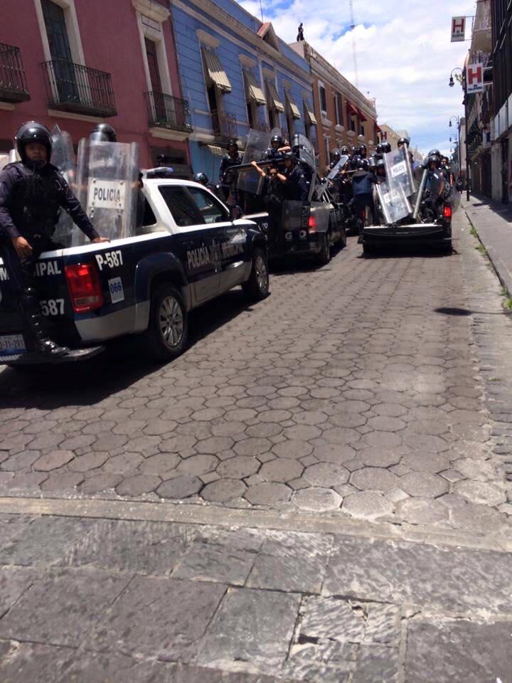 cinco_de_mayo_diario_desalojo_en_el_centro_historico_de_puebla_06
